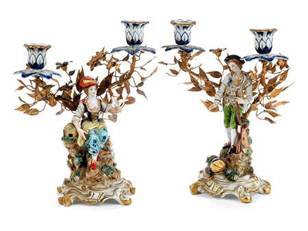 Paar figürliche Porzellantischleuchter