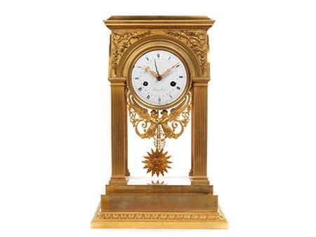Feine Directoire-Uhr