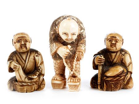 Drei japanische Elfenbeinnetsuke