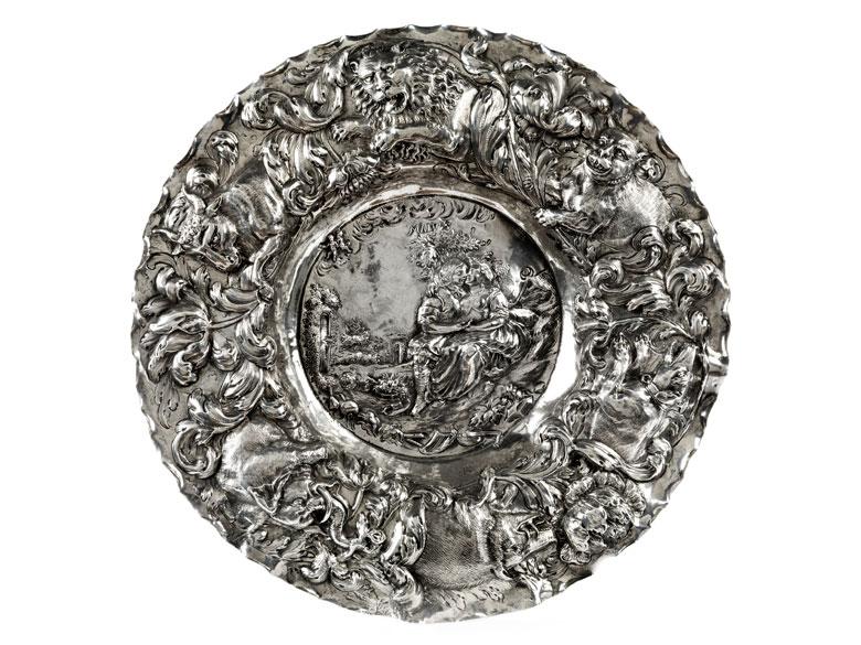 Silberschale mit Allegorie auf den Mai