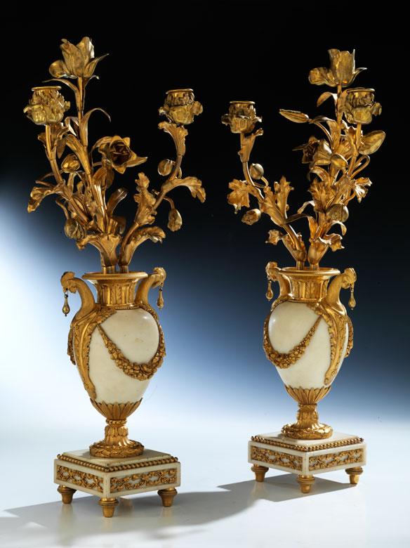 Paar Louis XVI-Kaminziervasen