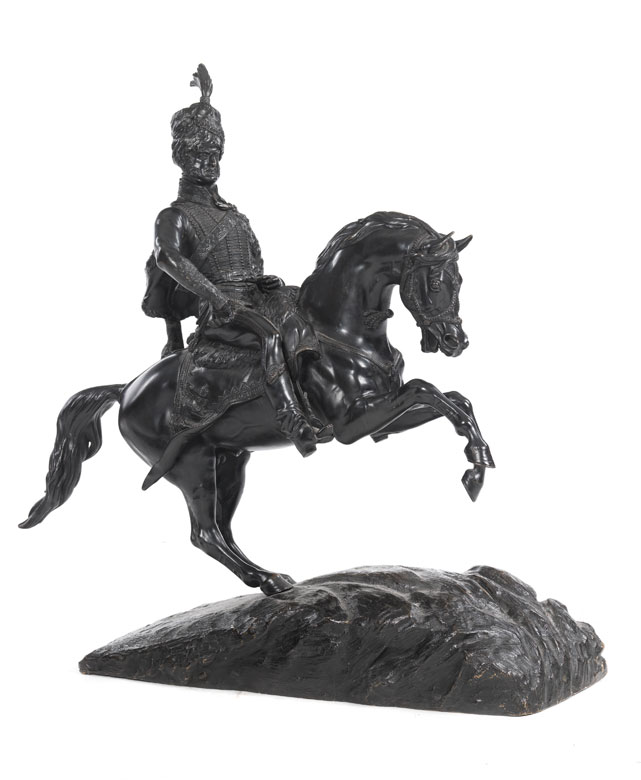 Große Reiterstatue in Bronze eines europäischen Königs in Husarenuniform