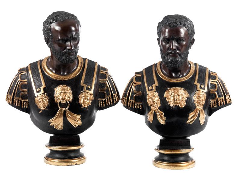 Ein Paar Bronzebüsten