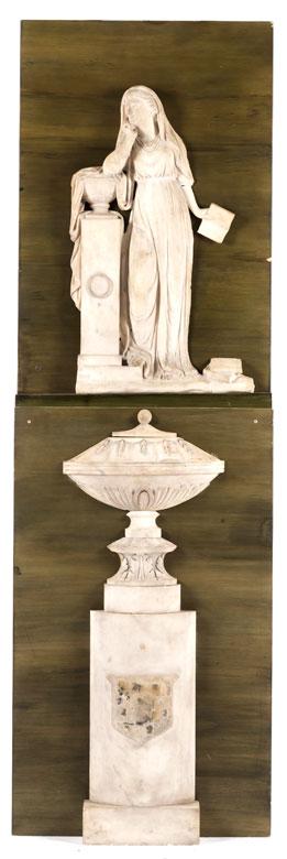 Paar antikisierende Wandpaneele