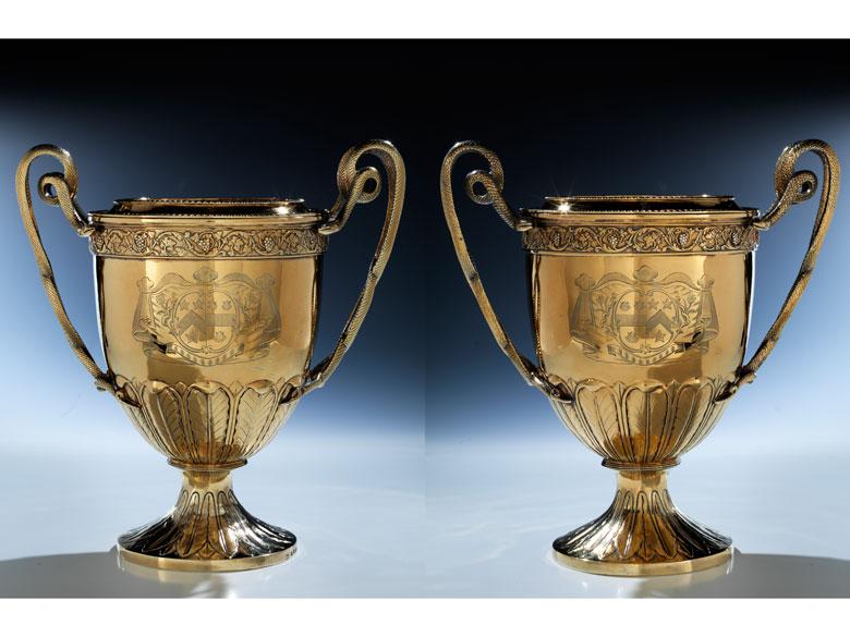 Zwei große Londoner Vermeil-Pokale