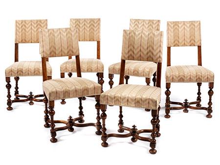 Satz von sechs Stühlen