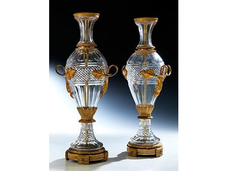Zwei Empire-Vasen