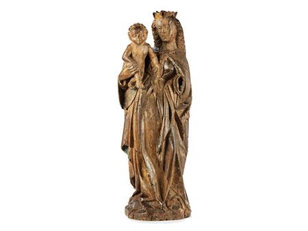Spätmittelalterliche Schnitzfigur einer Madonna mit Kind