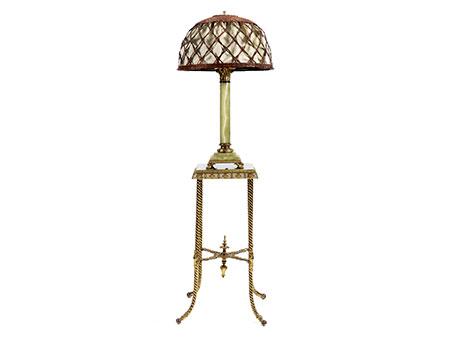Onyxtisch mit Lampe