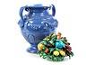 Details: Vase mit plastischem Fruchtgebinde