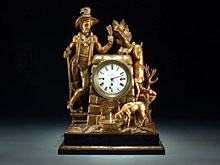 Grosse Kommoden-Uhr