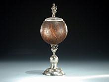 Kokosnuß-Pokal