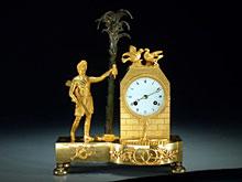 Feuervergoldete Empire-Uhr