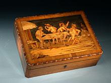 Museale Spielschatulle der Roentgen-Werkstatt für Spielsteine und Spielgeld in Mikro-Mosaik-Einlegearbeit.