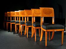 Satz von elf Biedermeier-Stühlen