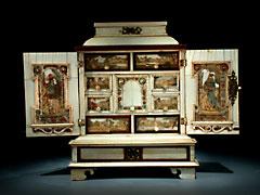 Äußerst seltenes und fein gearbeitetes Augsburger Elfenbeinkabinett-Kästchen
