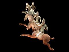 Ausserordentlich seltene Gruppe von vier Polospielern zu Pferde