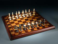 Italienisches Schachspiel mit Brett