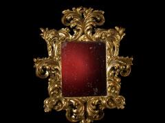 Wandspiegel mit kräftiger Akanthusblatt-Rahmung