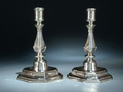 Paar silberne Tischkerzen-Leuchter