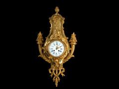 Französische feuervergoldete Wanduhr im Louis XVI-Stil