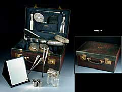 Krokodilleder-Koffer mit Toilette-Accessoires