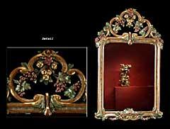 Wandspiegel mit geschnitztem, gefasstem und vergoldetem Rahmen