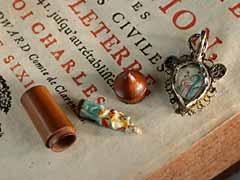 Zwei Devotionalien-Miniaturobjekte