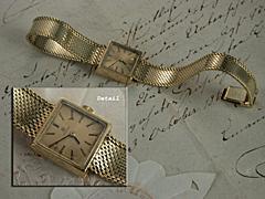 Goldene Damen-Armbanduhr