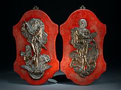 Paar getriebene, antike Götterfiguren