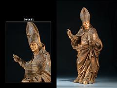 Skulptur eines Bischofs