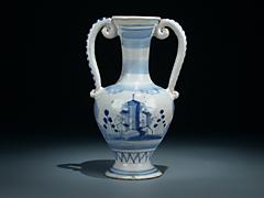 Fayence-Vase