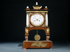 Kommoden-Uhr