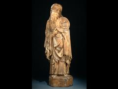 Skulptur eines Heiligen