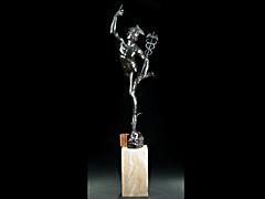 Große und fein ausgearbeitete Skulptur des Merkur