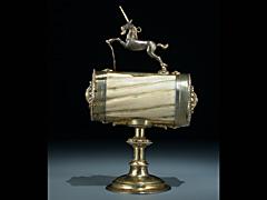 Detail images: Seltenes Einhornbehältnis