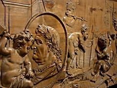 Detail images: Bedeutendes Lindenholzrelief mit den Allegorien der Künste