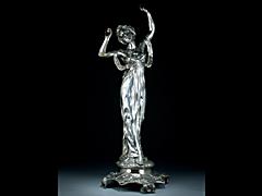 Detail images: Tanzende Frau