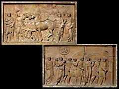 Detailabbildung: Zwei Terrakotta-Tafeln nach den Reliefs im Durchgang des Titusbogens in Rom