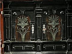 Detail images: Kabinettschrank mit Zinneinlagen