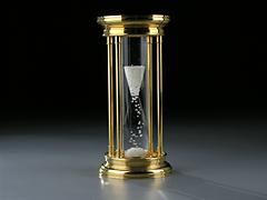 Diamanten-Sanduhr von De Beers mit 2000 Diamanten