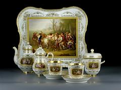 Imperiales Tee-Service der Porzellan-Manufaktur St. Petersburg mit der bekrönten A II-Marke,für die Regentschaft Zar Alexander II, (1855-1881).