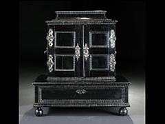 Kabinettkästchen des 17. Jahrhunderts mit Schildpattdekor