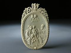 Elfenbeinrelief mit Darstellung der Heiligen Familie und dem Johannesknäblein