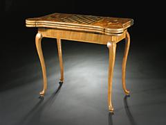 Seltener höfischer Verwandlungsspieltisch um 1730, dem Ebénisten und Hoftischler Peter Hoese 1686 - 1761, zugeschrieben