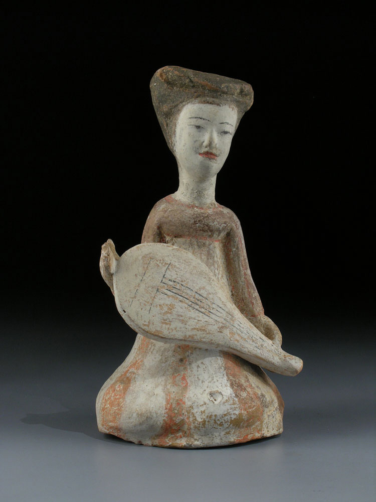 Sitzende Musikantin der Tang-Dynastie