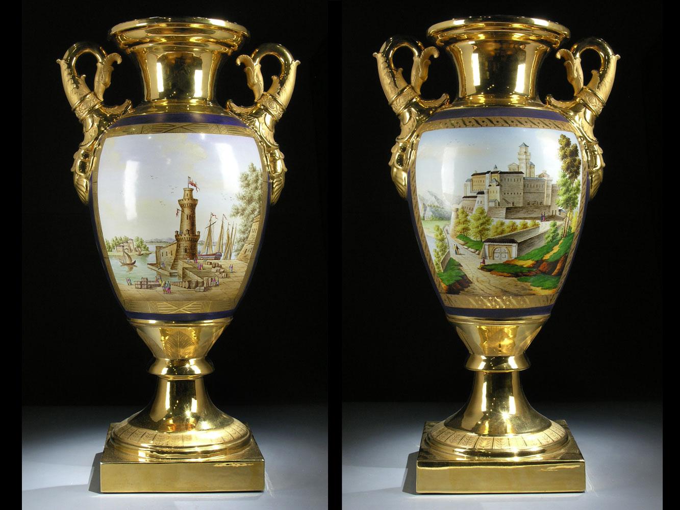 Paar bedeutende Pariser Porzellanvasen mit vier Ansichten des früheren Monaco, um 1825-1830.
