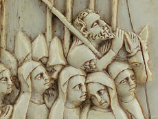 Detail images: Gotische Bildtafel mit Reliefschnitzerei in Elfenbein
