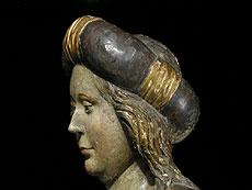 Detail images: Gotische Figur einer Heiligen