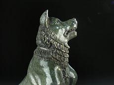 Detail images: Paar Skulpturen von Hunden aus Serpentinstein